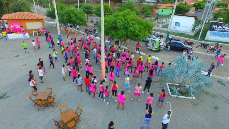 Caminhada reúne mulheres de Água Branca na luta contra o câncer de mama