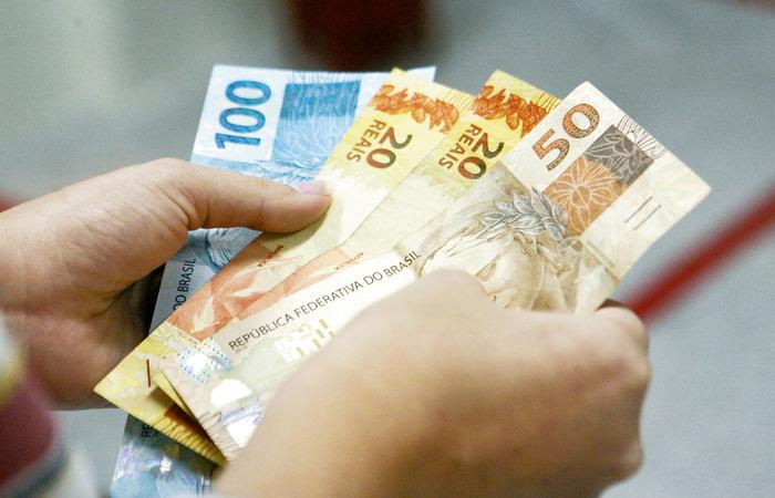 Pagamento do 13º salário deve injetar bilhões na economia