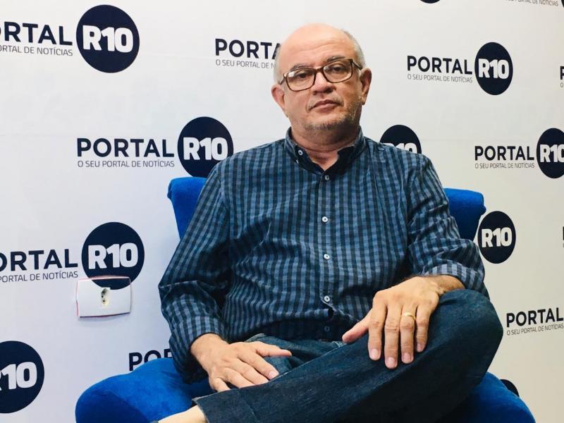 Professor Sucupira vai estrear programa online no Portal R10