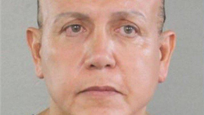 Suspeito de envolvimento com pacotes-bomba é preso no EUA