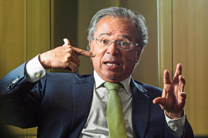 MPF abre investigação contra economista de Bolsonaro