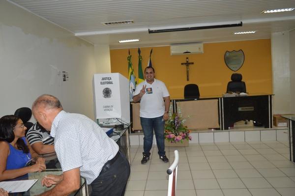 Deputado Estadual Georgiano Neto vota em Guadalupe