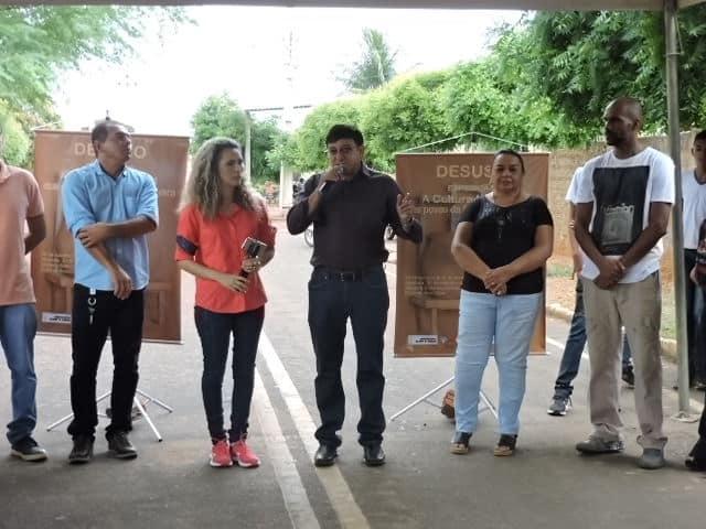 Prefeito Maninho faz abertura da exposição de projeto de alunos