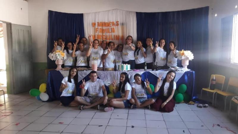Escola comemora dia dos professores e dos funcionários públicos