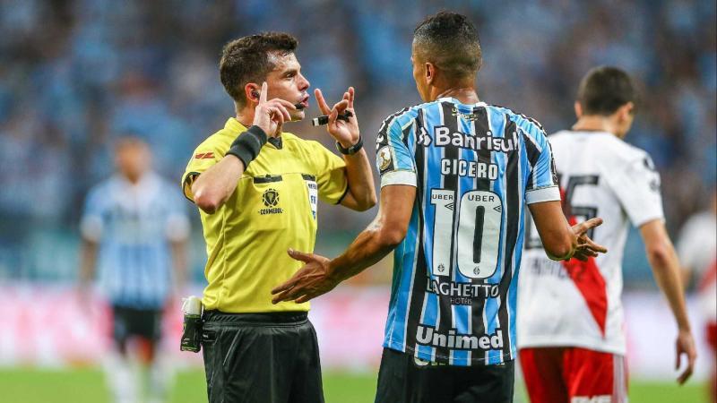 "Grêmio vai a Conmembol pedir pontos e vaga na final após ""Caso Gallardo"""