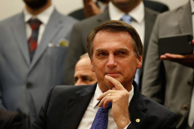 """Bolsonaro diz que Moro terá """"liberdade"""" para escolher equipe"""