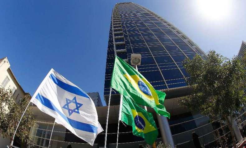 Bolsonaro confirma que pretende mudar embaixada para Jerusalém