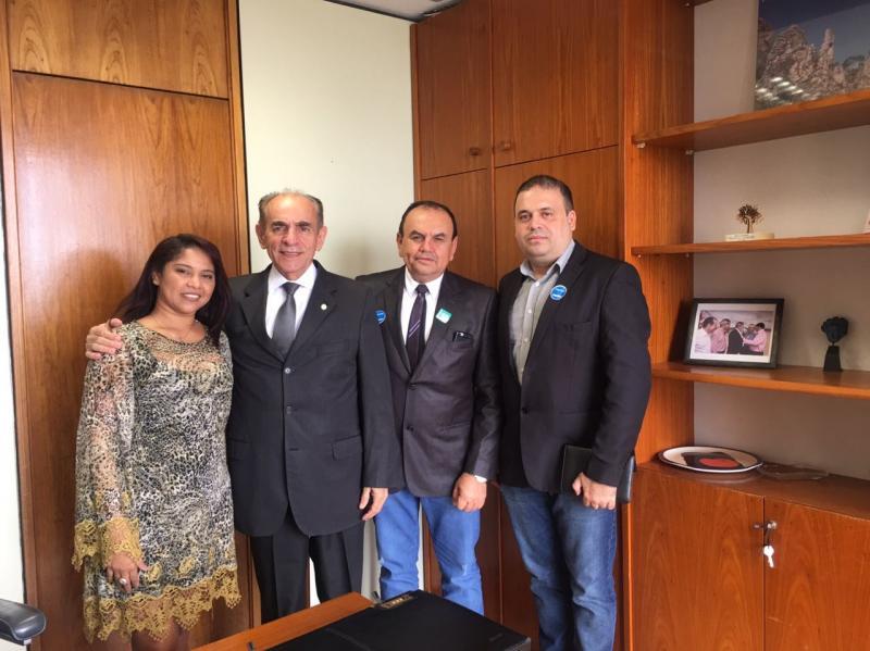 Prefeito de Conceição do Canindé se reúne com bancada piauiense em Brasília