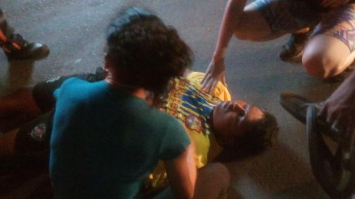 Menino é atropelado por moto ao atravessar avenida em Esperantina