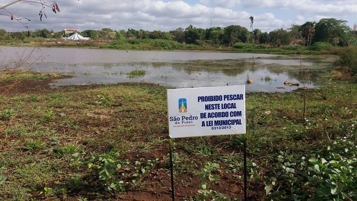 Secretaria de Meio Ambiente realiza ações em açudes da zona urbana e rural do município