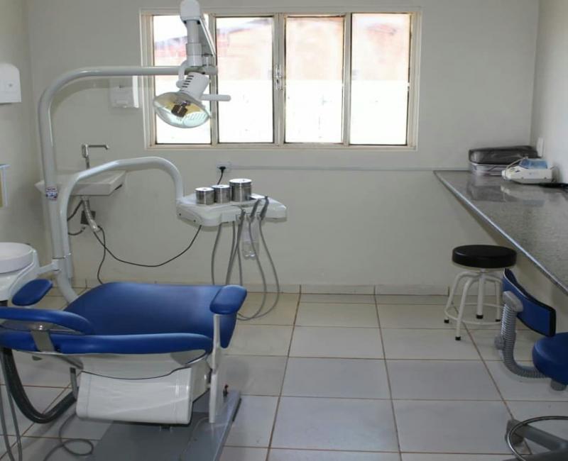 Prefeitura de Corrente adquire pick-up e consultórios odontológicos