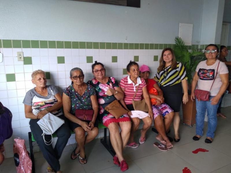 Vilma Lima acompanha pacientes durante mutirão de catarata em Esperantina