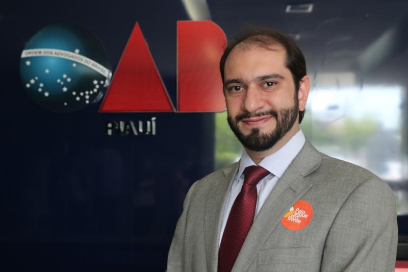 Lucas Villa promete viabilizar  projeto de lei para remuneração de dativos