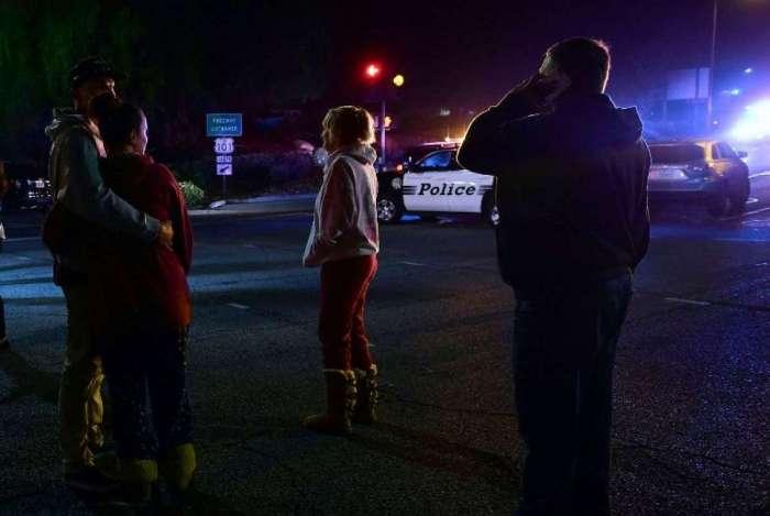 Atirador invade bar e mata mais de 10 pessoas na Califórnia
