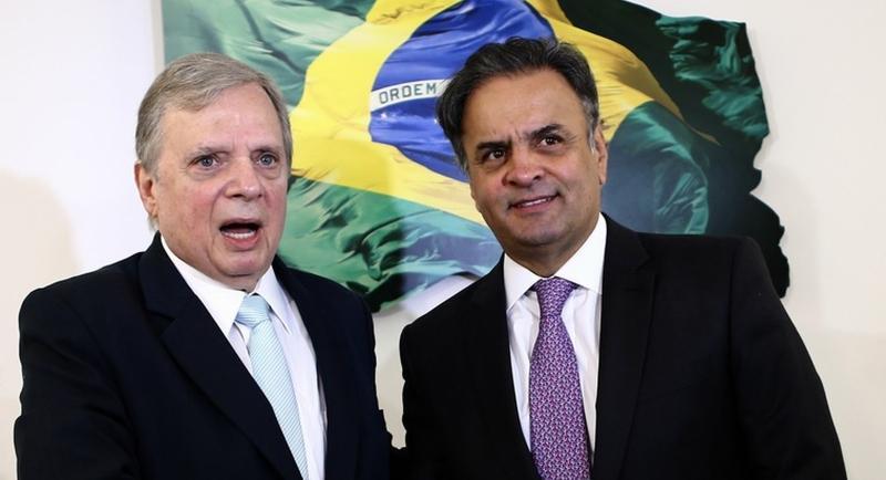Destituído do comando do PSDB, Tasso critica Aécio