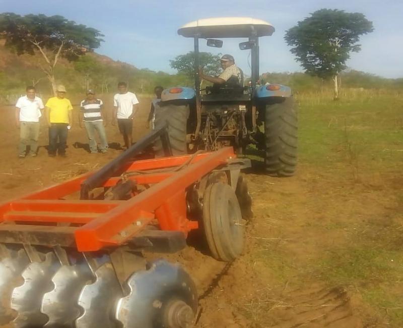 Produtores de Corrente iniciam preparo do solo para plantio