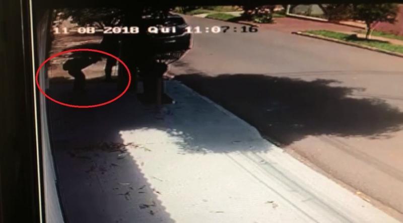 Adolescente é esfaqueado durante assalto quando voltava da escola