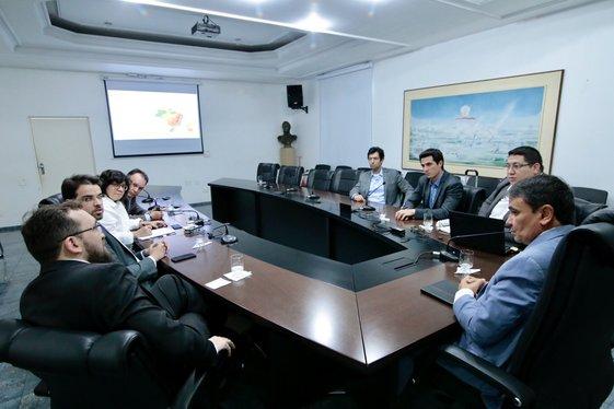 Governador recebe empresários do setor de energias renováveis