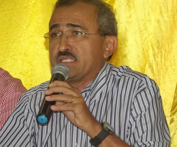 MP pede que prefeito devolva quase R$ 1 milhão aos cofres públicos