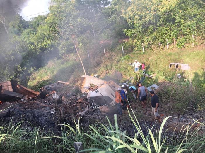 Piauiense morre após veículo cair de ponte e incendiar no Maranhão