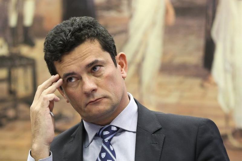 Corregedoria decide apurar indicação de Moro com ministro