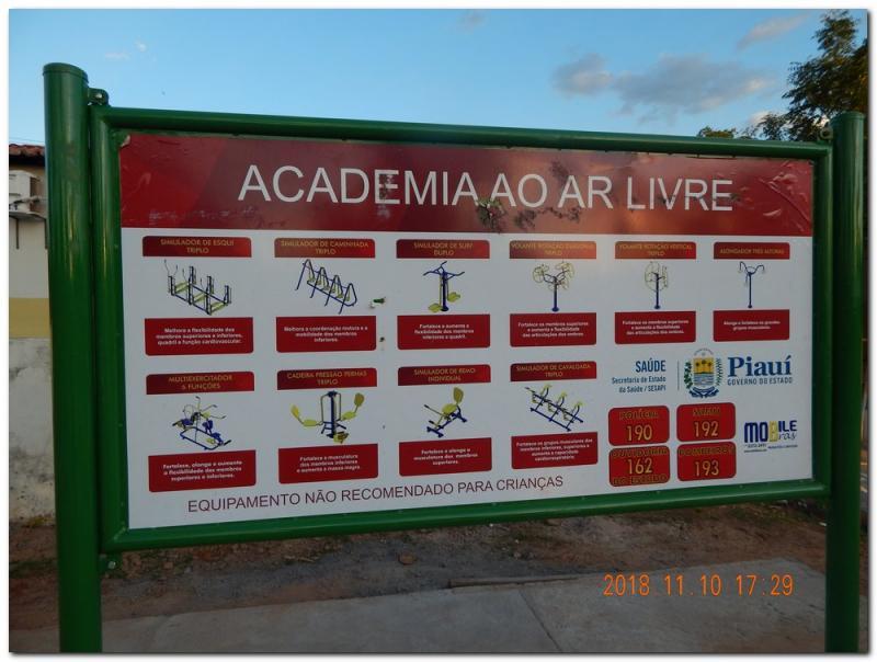 Prefeitura Municipal de Inhuma instala Academia ao Ar Livre no Roque