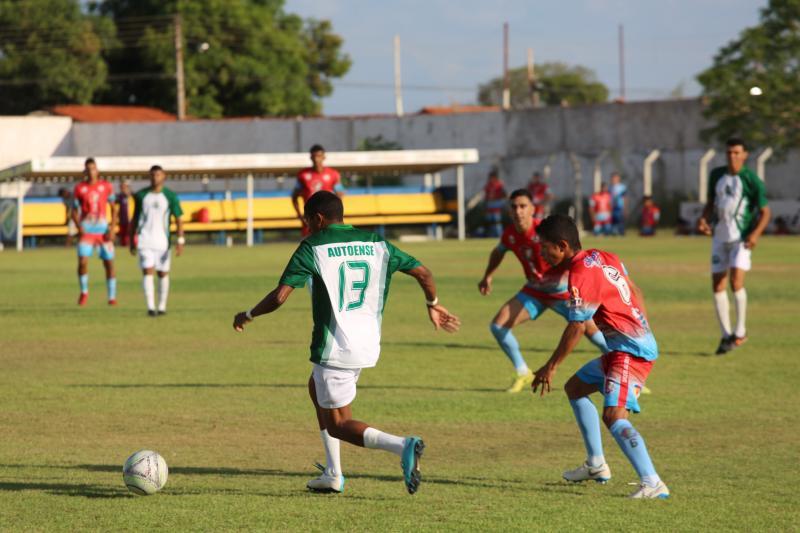 Alto Franco vence Altoense e leva título da 1ª divisão do campeonato