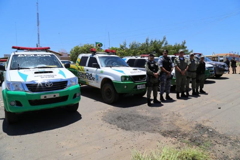 Bandidos invadem residência e fazem arrastão em São João do Arraial