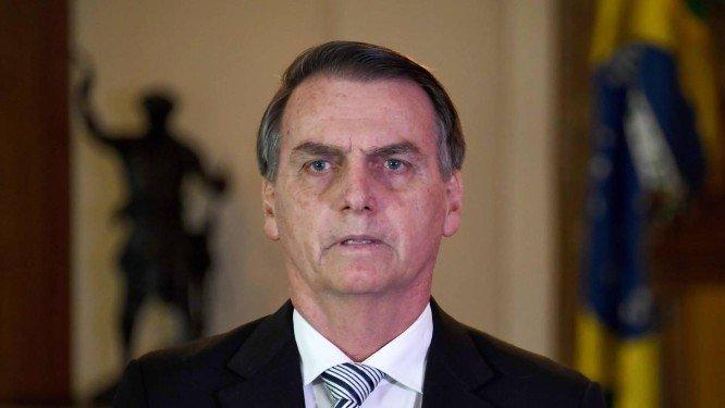 Bolsonaro planeja cortar no mínimo 30% de cargos comissionados