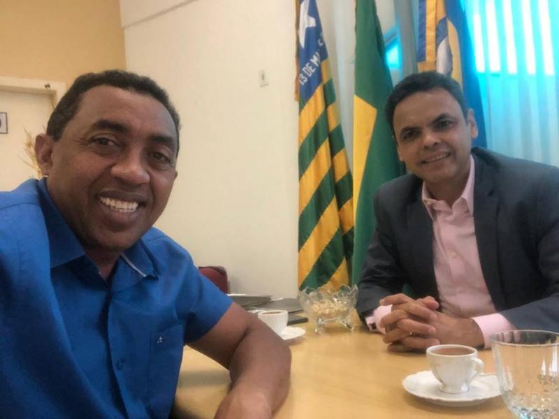 Prefeito de Floriano se reúne com presidente da APPM