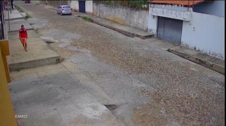 Polícia pede ajuda para identificar acusado de arrombamentos em Teresina