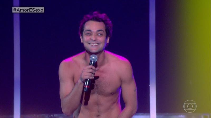 Artistas tiram a roupa e ficam peladões em programa da Globo
