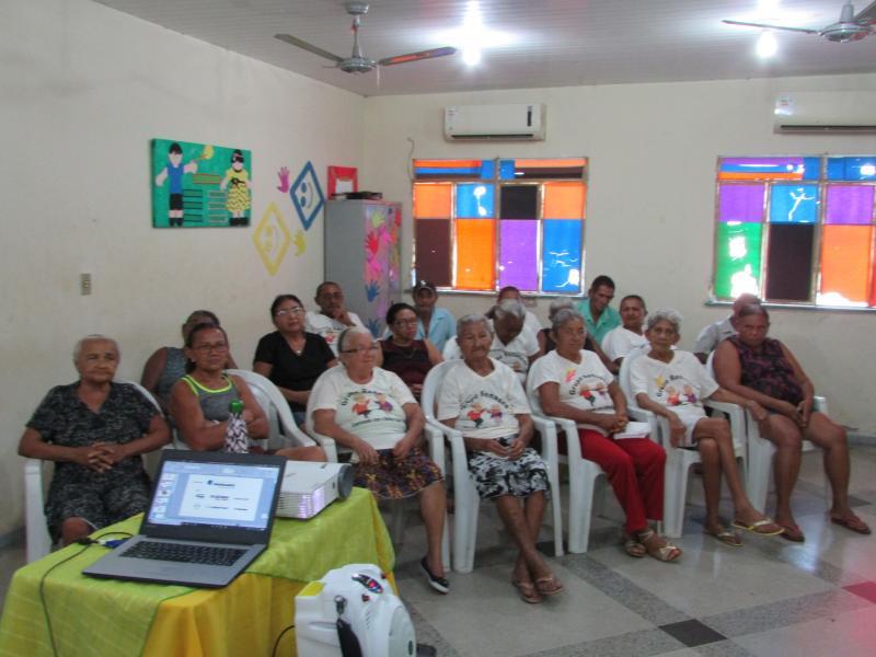 CRAS aborda 'Autoestima e Resiliência' com grupo de idosos