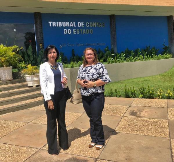 Prefeita está em Teresina no Tribunal de Contas do Estado do Piauí