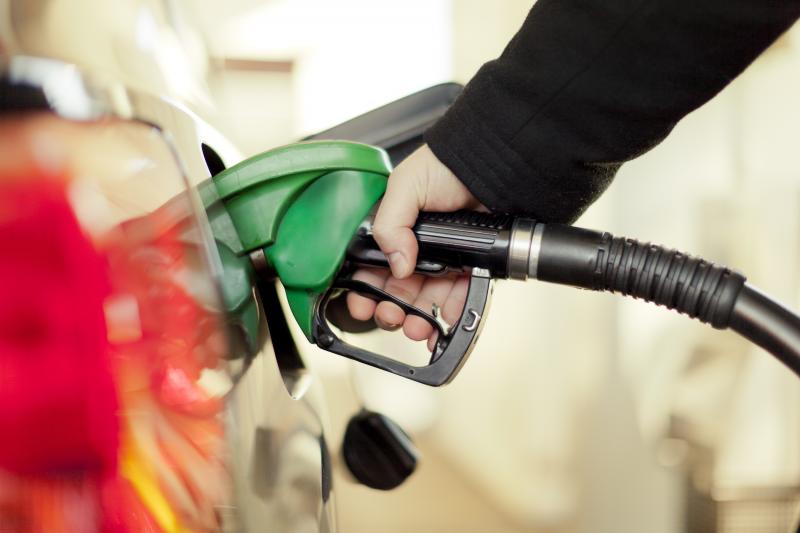 Preço da gasolina volta a subir e passa de R$ 3,90 pela 1ª vez