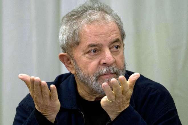 Lula depõe em Curitiba sobre sítio de Atibaia