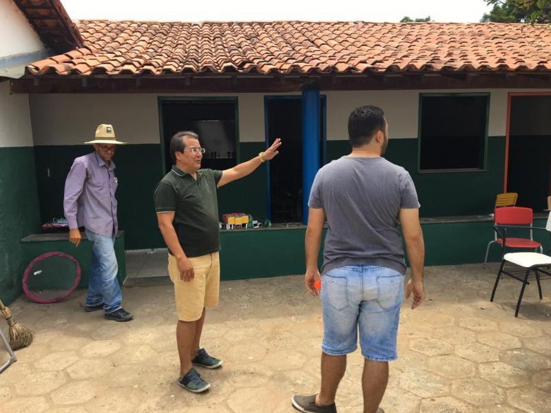 Prefeito Jonas Moura acompanha obras da Estação Juventude 2.0
