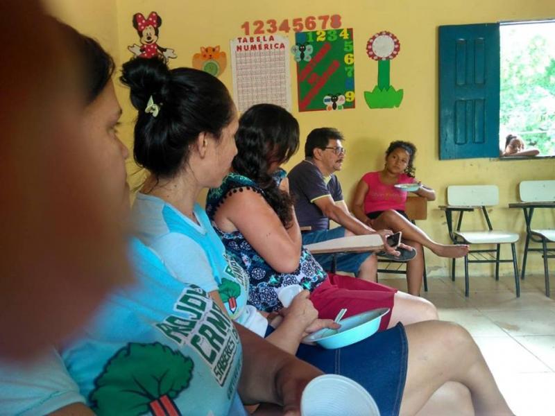 Projovem Campo realiza ação social na comunidade