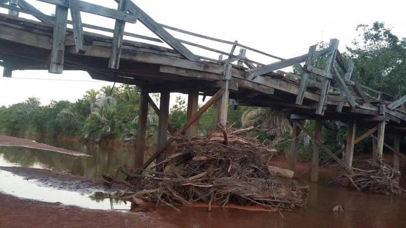 Vereador Henrique Guerra solicita reforma da ponte sobre o Rio Gurgueia