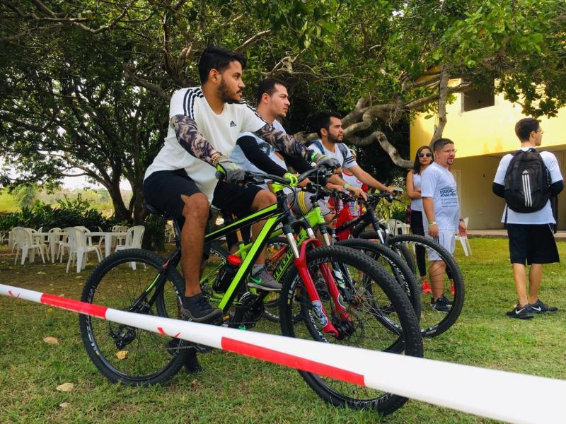 Alunos de educação física participam de trilhas em Teresina