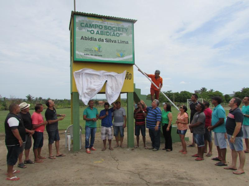 Prefeito Dr. Alcione Barbosa inaugura cabine de narração do estádio Abidião