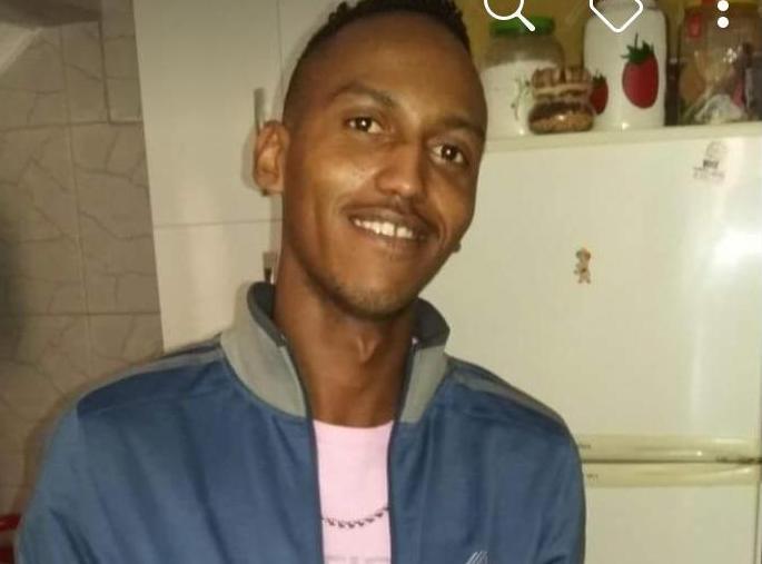 Motociclista morre após colidir contra poste no Piauí