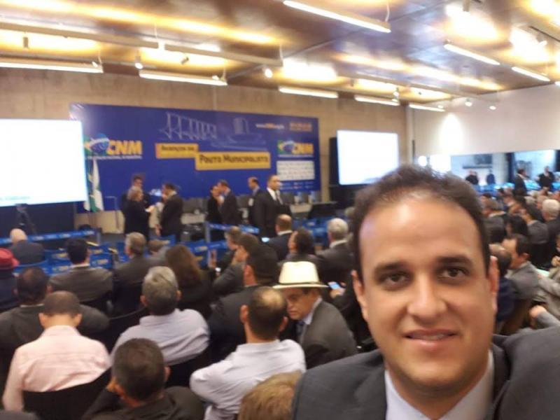 Prefeito Diego Teixeira participa de pauta municipalista em Brasília