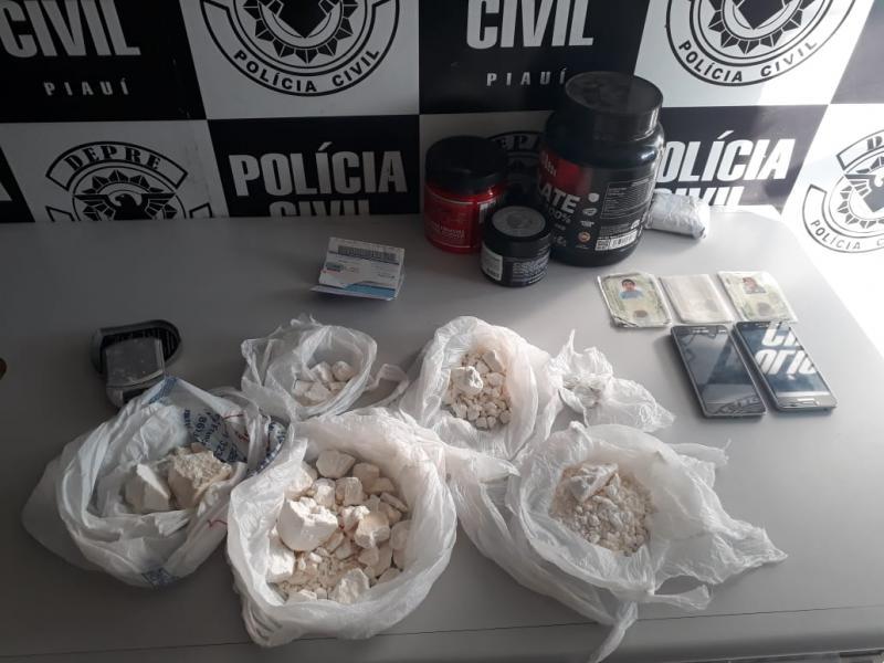 Polícia encontra droga dentro de potes de suplemento em Teresina