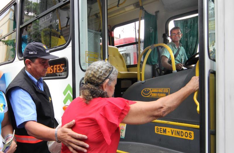 Wellington sanciona lei que garante idosos de graça em transporte intermunicipal
