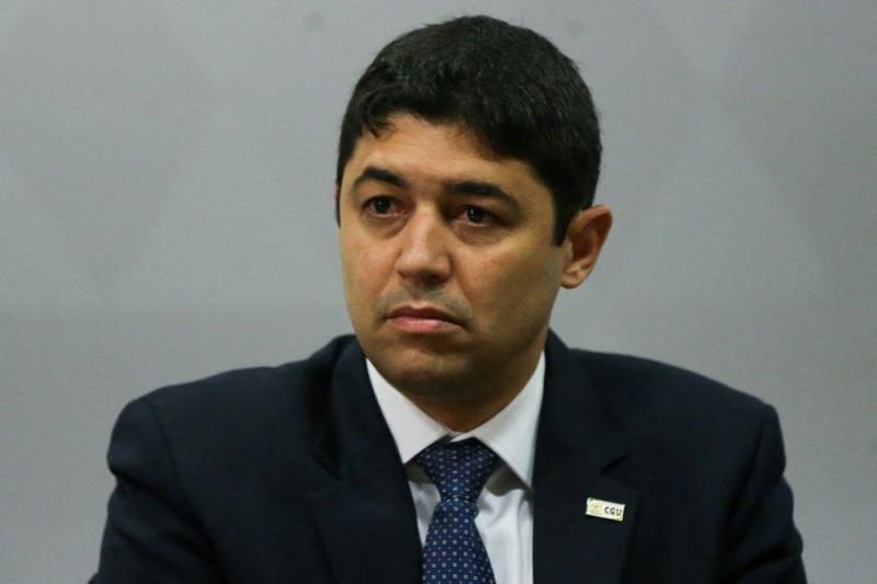 Bolsonaro vai manter Wagner Rosário como ministro da CGU