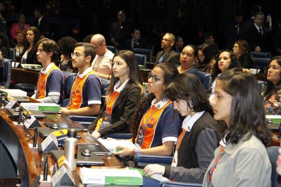 Governador prestigia premiação de estudantes piauienses em Brasília