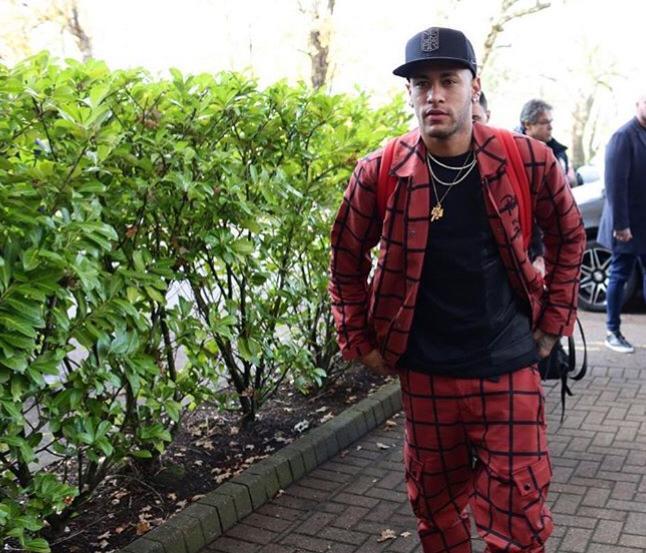 Neymar Jr. realiza desejo de Marina Ruy Barbosa