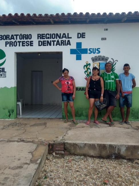 Prefeitura entrega próteses dentárias por meio de programa social
