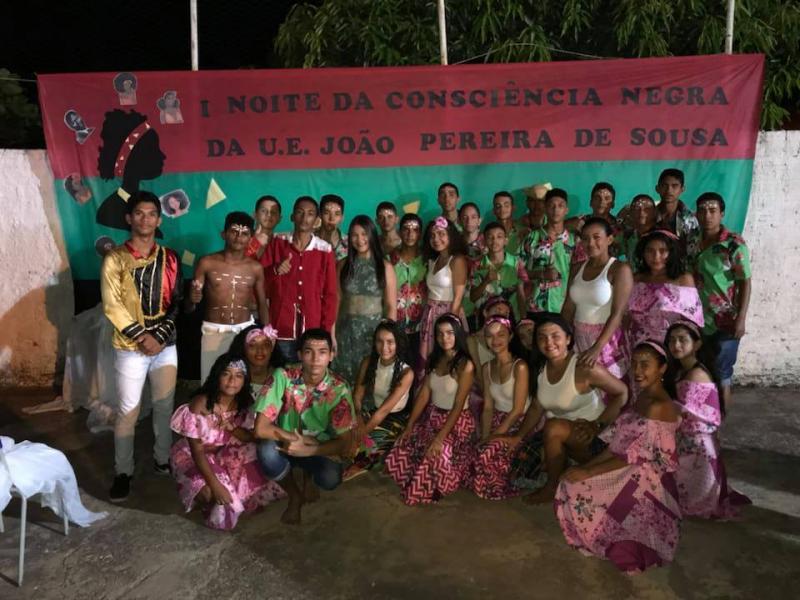 Escola de Francisco Ayres realiza atividades em alusão a consciência negra